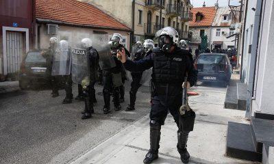 В Черногории 20 полицейских пострадали в ходе протестов - Фото