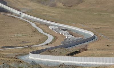 Турция завершила строительство стены длиной 221 км на границе с Ираном - Фото