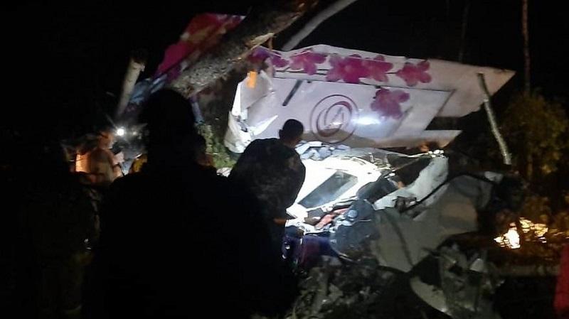 Четыре человека погибли при крушении самолета в Иркутской области - Фото